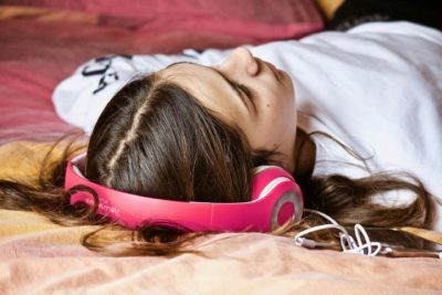 Медитация перед сном для женщин: слушать онлайн на ночь для расслабления
