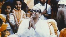 Шри Шри Анандамурти фото